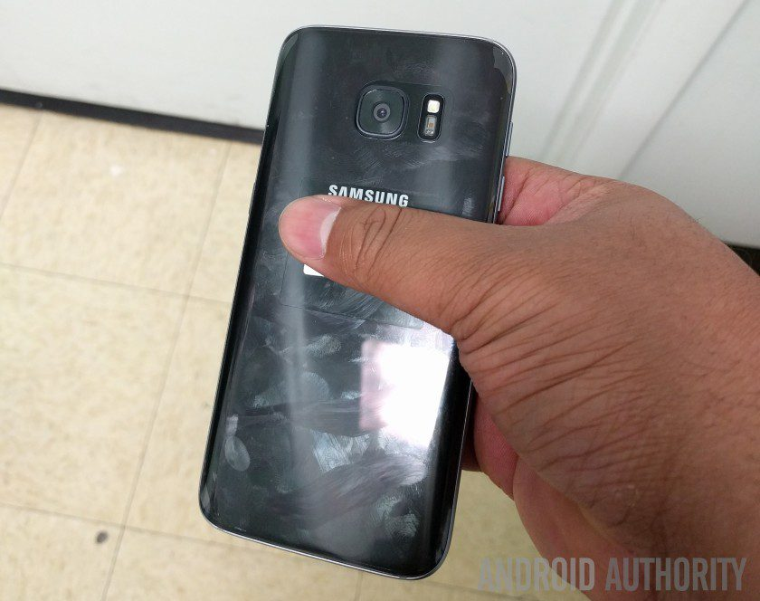 Samsung Galaxy S7 leaked live photo
