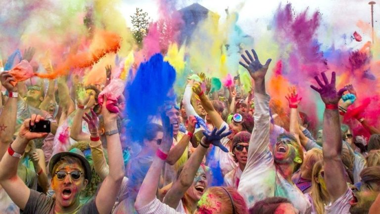 how to protect smartphone on holi