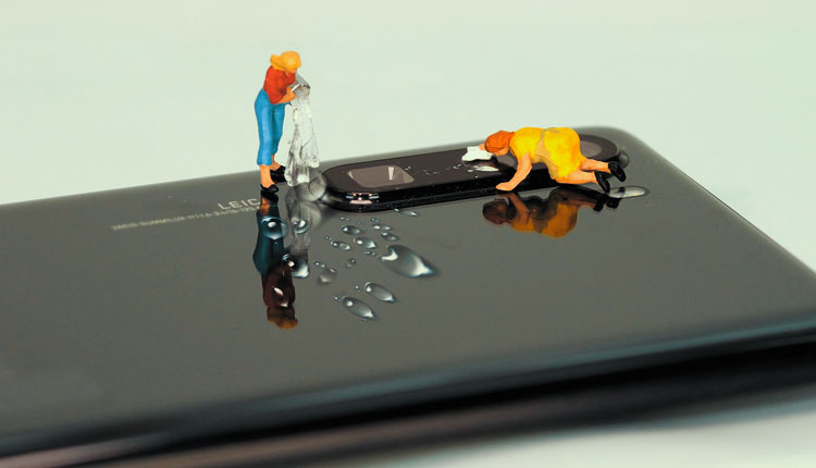 How to keep your smartphone clean