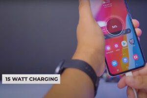 Charging Samsung Galaxy Z Flip 3
